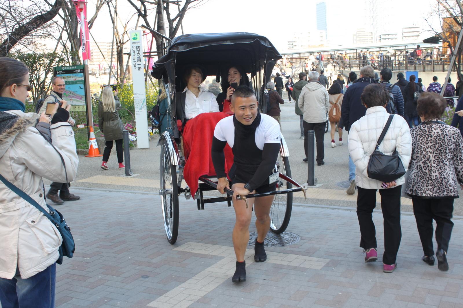 Rikschafahrer in Tokyo