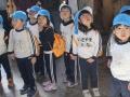 Japanische Kinder zum Besuch beim Daibutsu in Nara