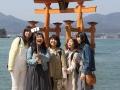 Torij des Itsukushima Schreis mit Selfie