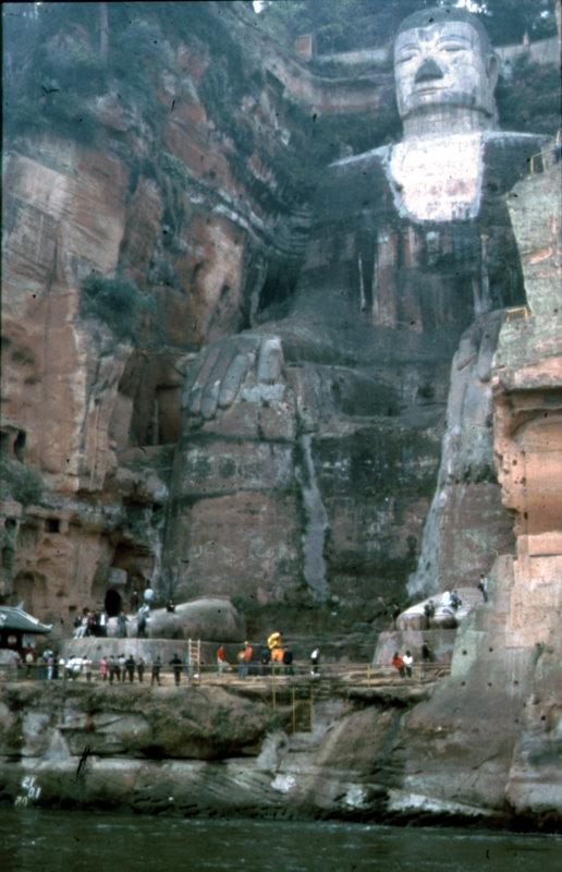 Der grosse Buddha von Leshan